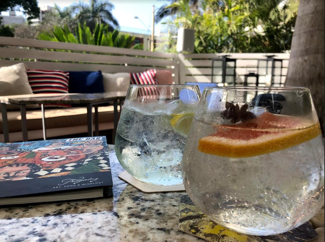 Adelanta el fin de semana con los jueves de gin tonic en Tragaluz