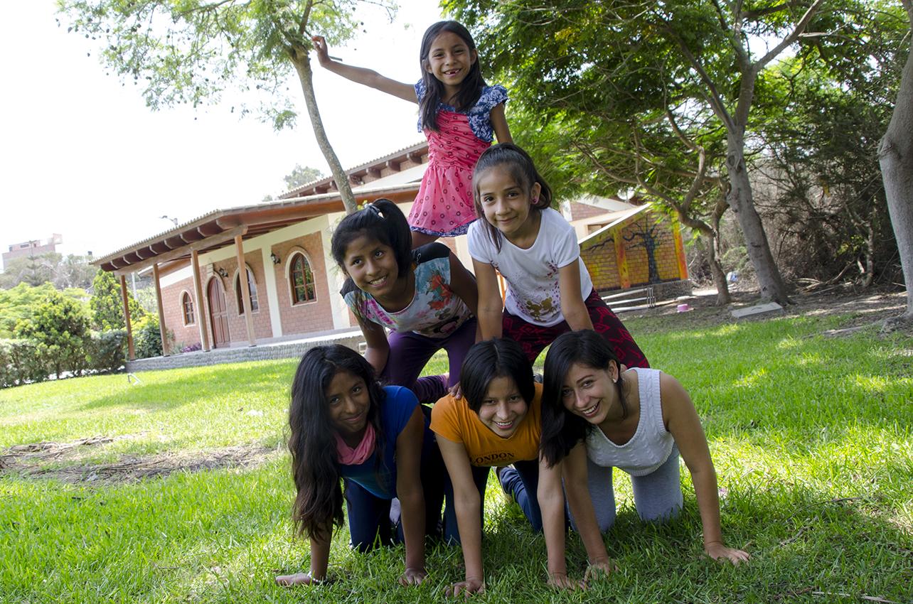 Recicla tu papel y conviértelo en becas alimenticias para niños y niñas de Aldeas Infantiles SOS