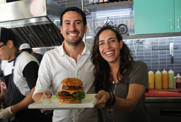 Conoce The Secret Burger, la nueva hamburguesa de The Burger Factory inspirada en el amigo secreto