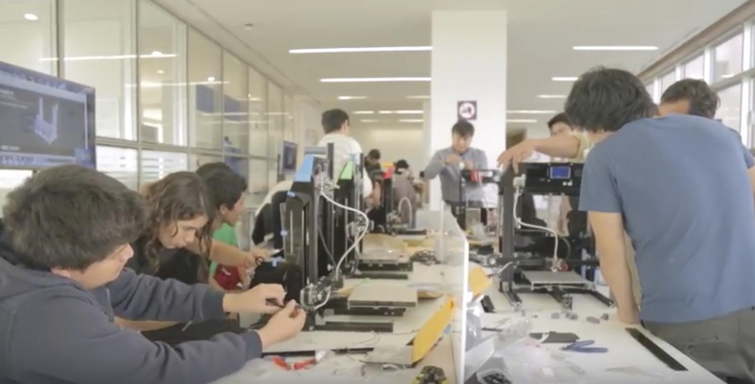 Open PUCP organiza demostraciones gratuitas sobre el uso de nuevas tecnologías como robótica, realidad virtual o impresión 3D