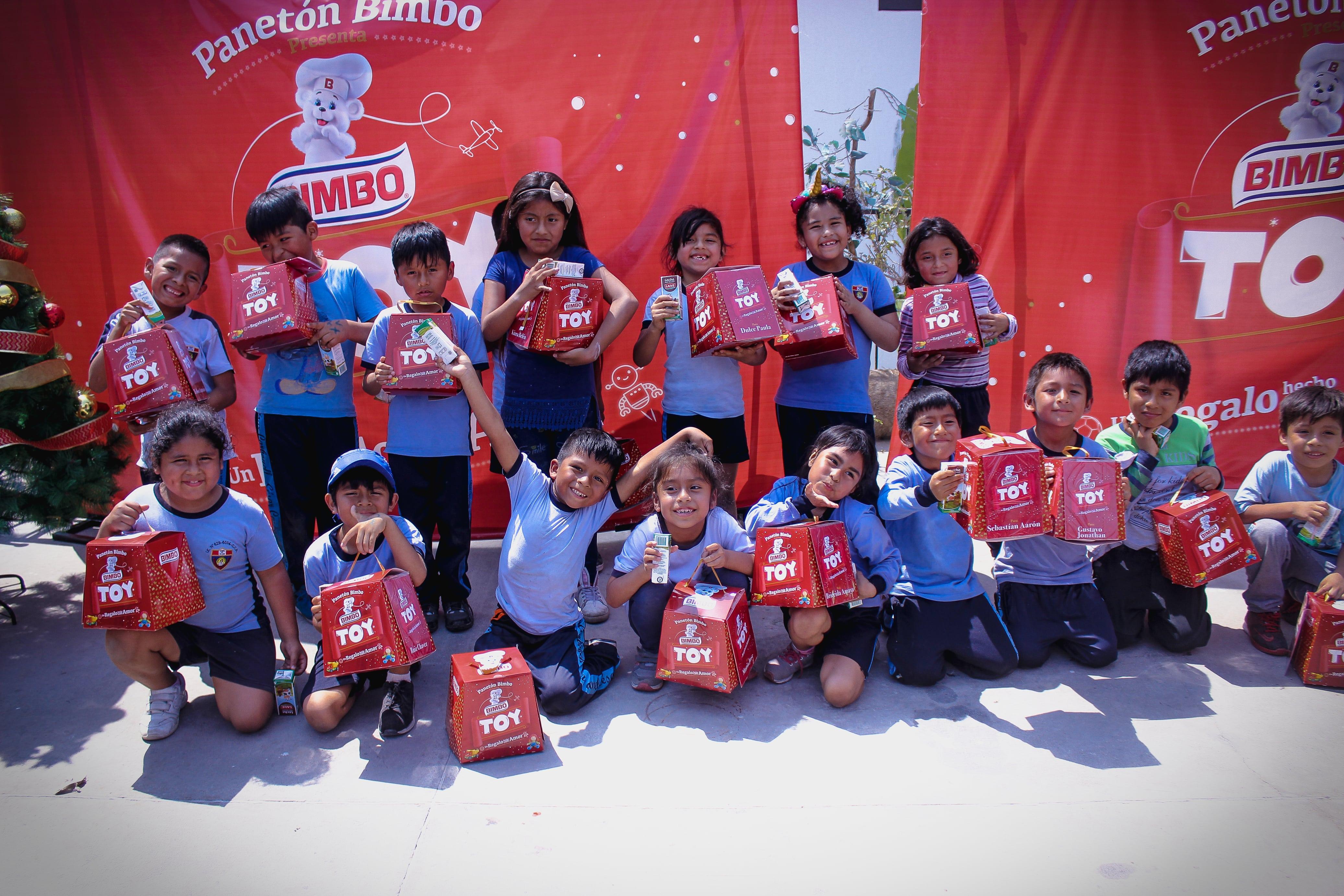 Panetones Bimbo donó más de dos mil juguetes a niños de albergues para celebrar esta Navidad