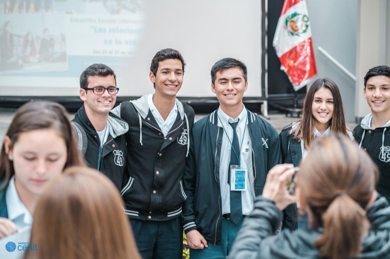 Líderes escolares de América Latinan concluyen que la sociedad necesita líderes con formación más humanista que técnica