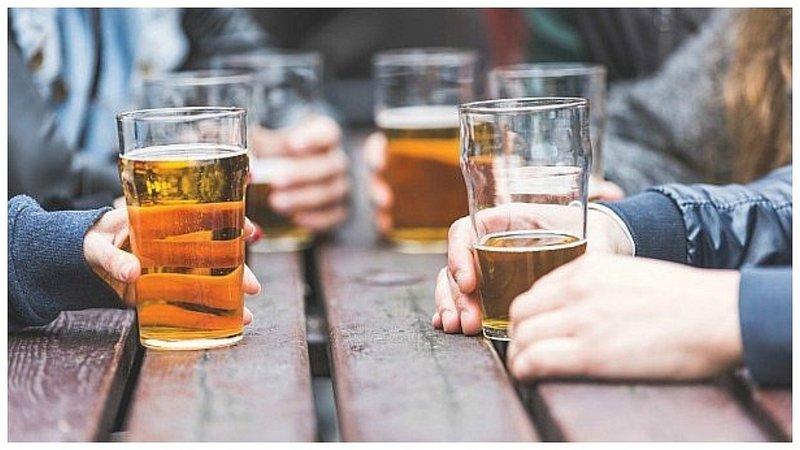 Millennials: 7 de cada 10 jóvenes disfrutan tomando una cerveza