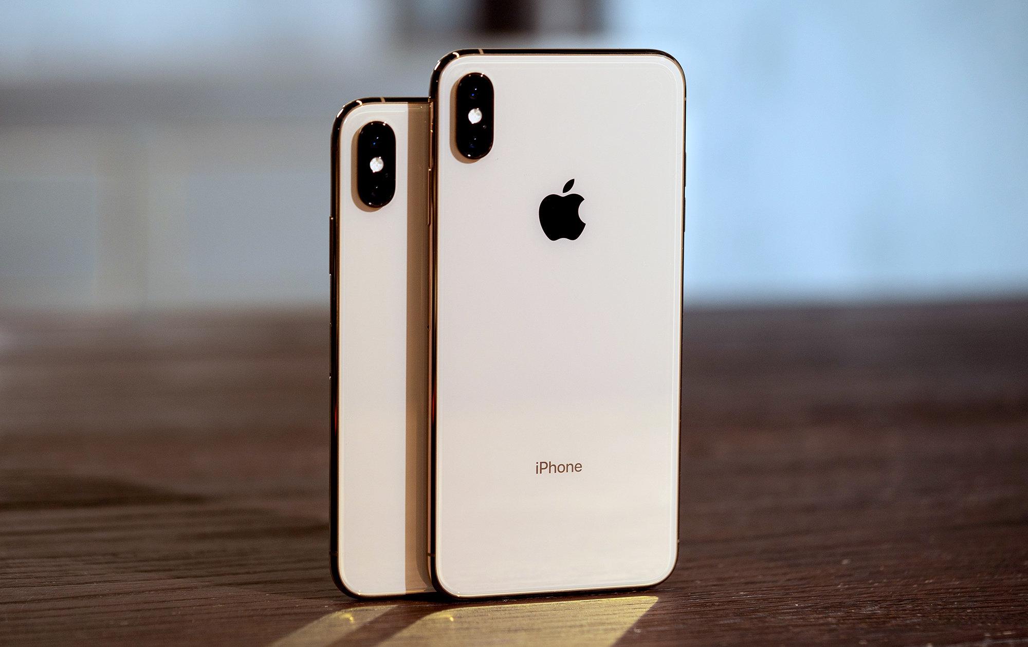 ¿Cuántos días laborales se necesitan para comprar un iPhone XS?