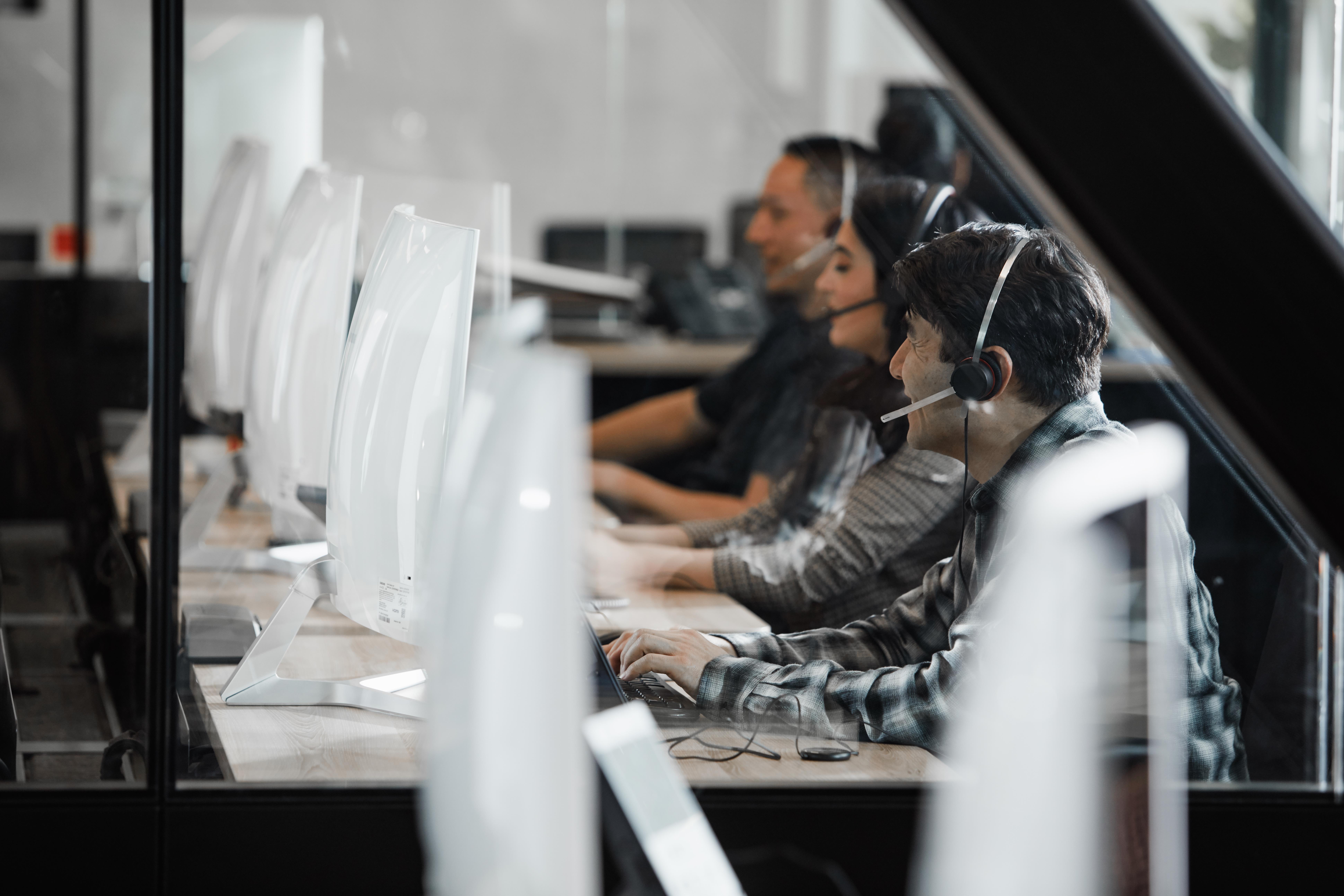 OneLink Reduce los tiempos de espera y aumentan la seguridad de los clientes en América Latina con Avaya OneCloud CCaaS Contact Center