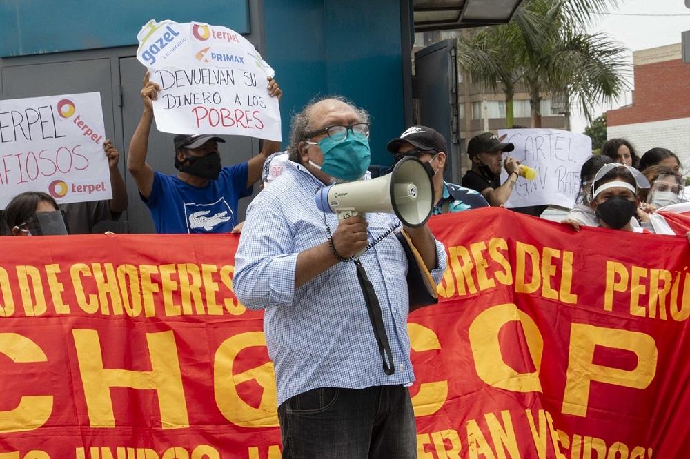 Transportistas realizan plantón frente a Indecopi para exigir respuesta por robo del cartel de GNV