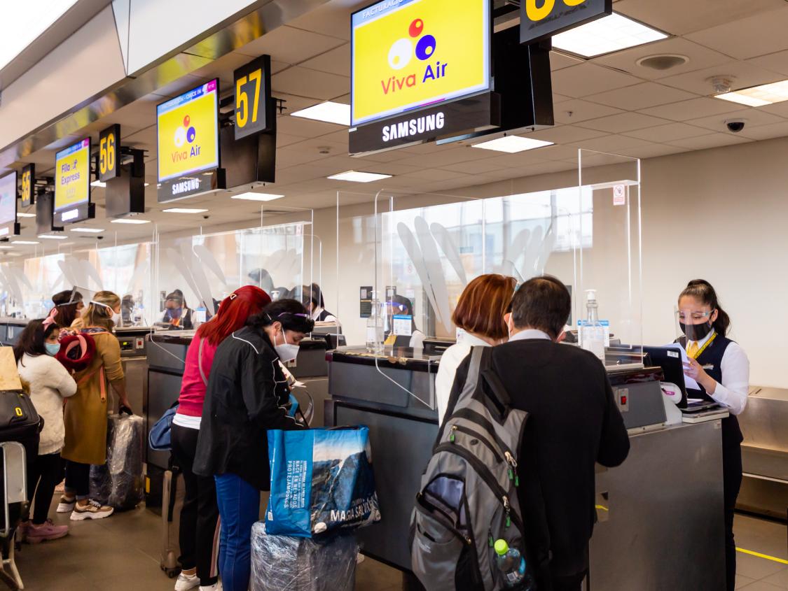 Viva Air reactiva su ruta internacional Lima-Medellín y celebra la Navidad con descuentos especiales para sus pasajeros