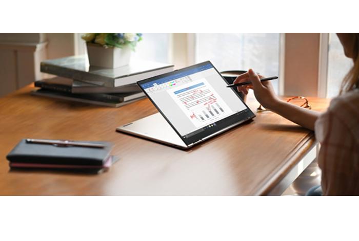 La ThinkPad más delgada hasta ahora1, X1 Titanium Yoga, completa la cartera X1 optimizada para conferencias