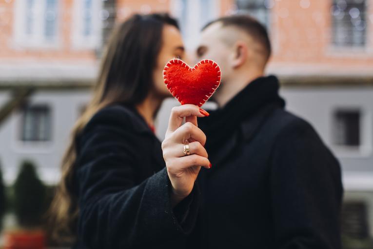 san valentín en la nueva normalidad: ¿dónde encontrar el amor en tiempos de pandemia?