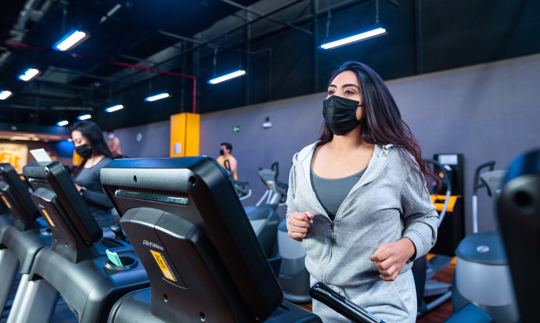 Día Mundial de la Salud: 5 beneficios de entrenar en el gimnasio