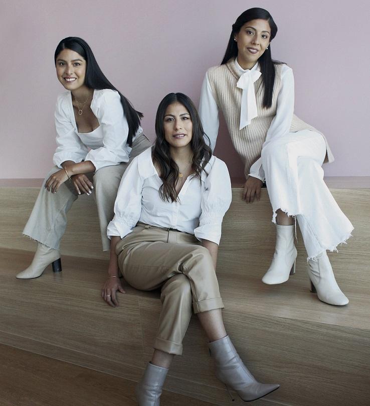 ADRIA es la primera marca de joyería que redefine el concepto de lujo accesible en el Perú
