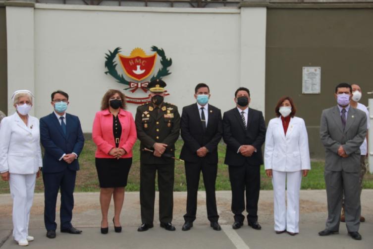 Bandera de Guerra del Hospital Militar Central recibió condecoración congresal por acción distinguida durante la pandemia del Covid- 19