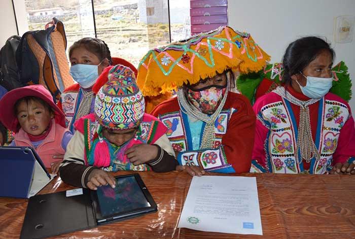 232 escolares de comunidades rurales del Cusco se beneficiaron con donación de tablets realizada por BanBif